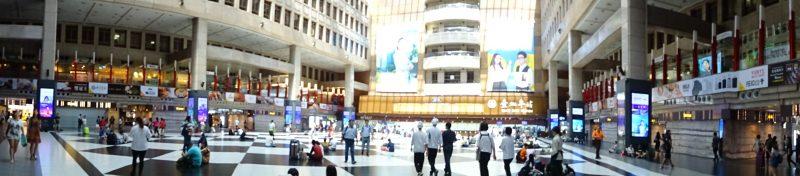 台北駅の構内