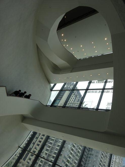 台中国家歌劇院の館内