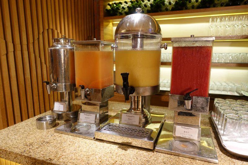 オークラ台北朝食コンチネンタルルームのジュース