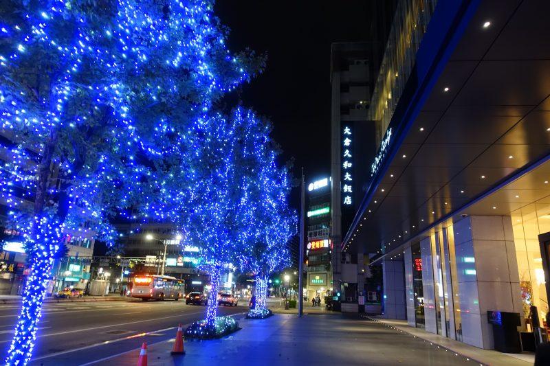 オークラプレステージ台北夜の外観