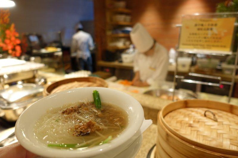 オークラ台北朝食コンチネンタルルームの麺