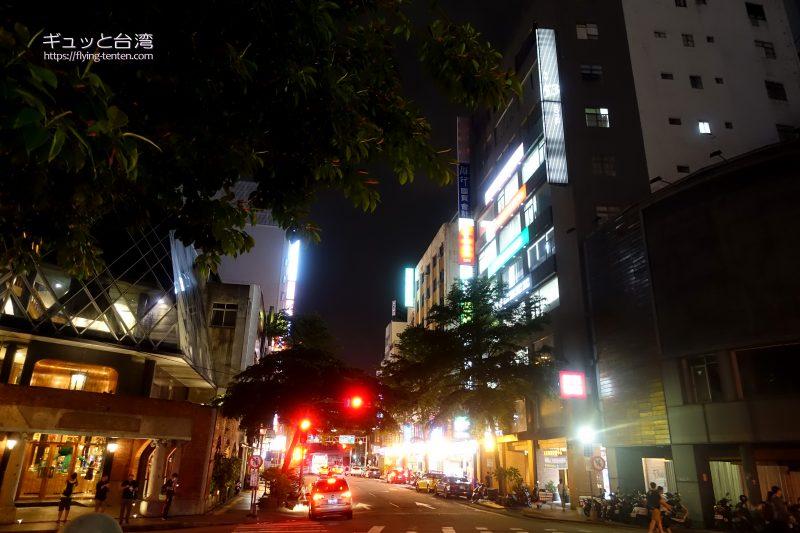 夜の53ホテル
