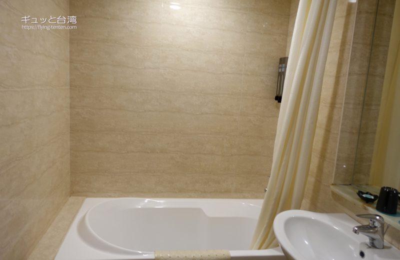 53ホテルのバスルーム
